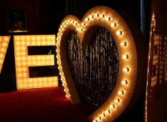 love-letters-giant-heart-arch