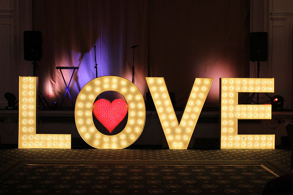 light-up-love-letters-for-hire.jpg